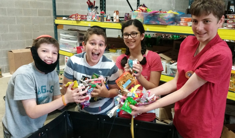 Chesed Trip (sorting candy at Chesed Fund)-001